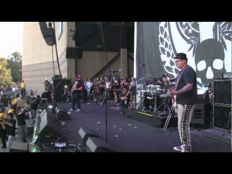 """Sublime with Rome - """"Santeria"""" live at Smoke Out Fest 2009"""