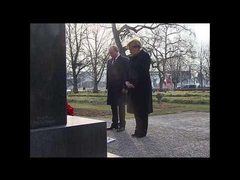 Vladimir Putin, Anglea Merkel open Hannover trade fair
