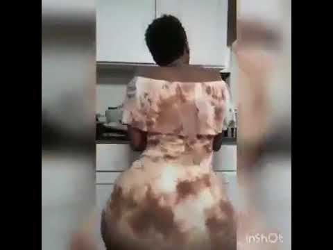 Une femme africaine expose ses rondeurs en trémoussant 💃