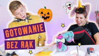 Gotowanie BEZ RĄK #challenge!  Halloweenowe babeczki - Dominik Rupiński i Agnieszka Grzelak Vlog