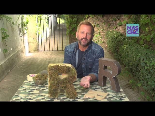 Ramiro Arzuaga Viste tu Mesa por Mas Chic: Mesa Dinosaurios