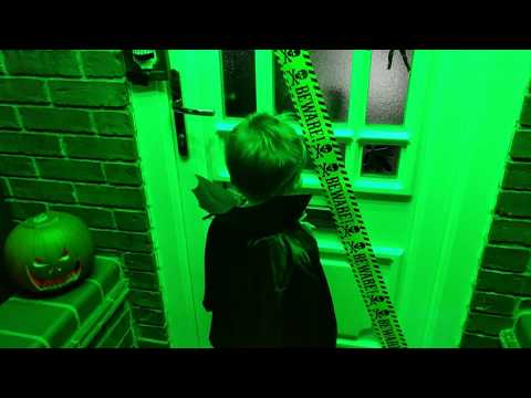 this example is triggered by the doorbell which lights some leds and plays wav files theres also a smoke machine which is triggered wirelessly - Halloween Wav Files