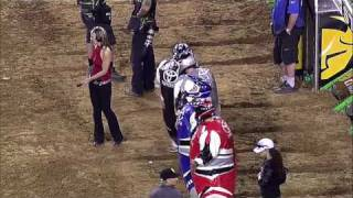 Kelly Races in a Fat Suit in Jacksonville Supercross