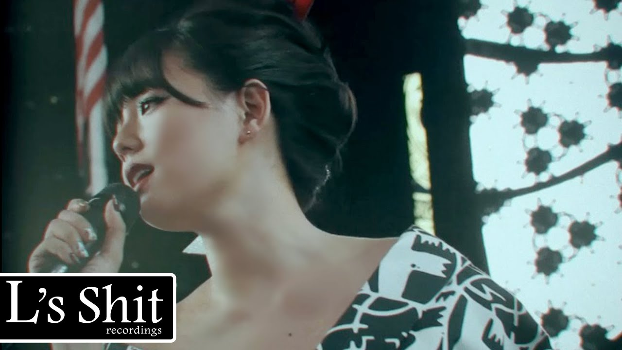 篠崎愛 / Ai Shinozaki 『ヒカリ(HIKARI)』 Music Video (英語字幕版)