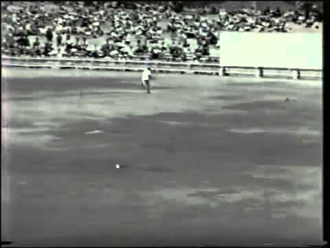 RARE  Sir Len Hutton 156  vs Australia 4th test 1950 51