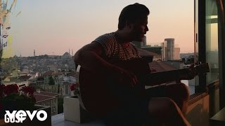 Смотреть клип Gusi - Cómo Me Duele