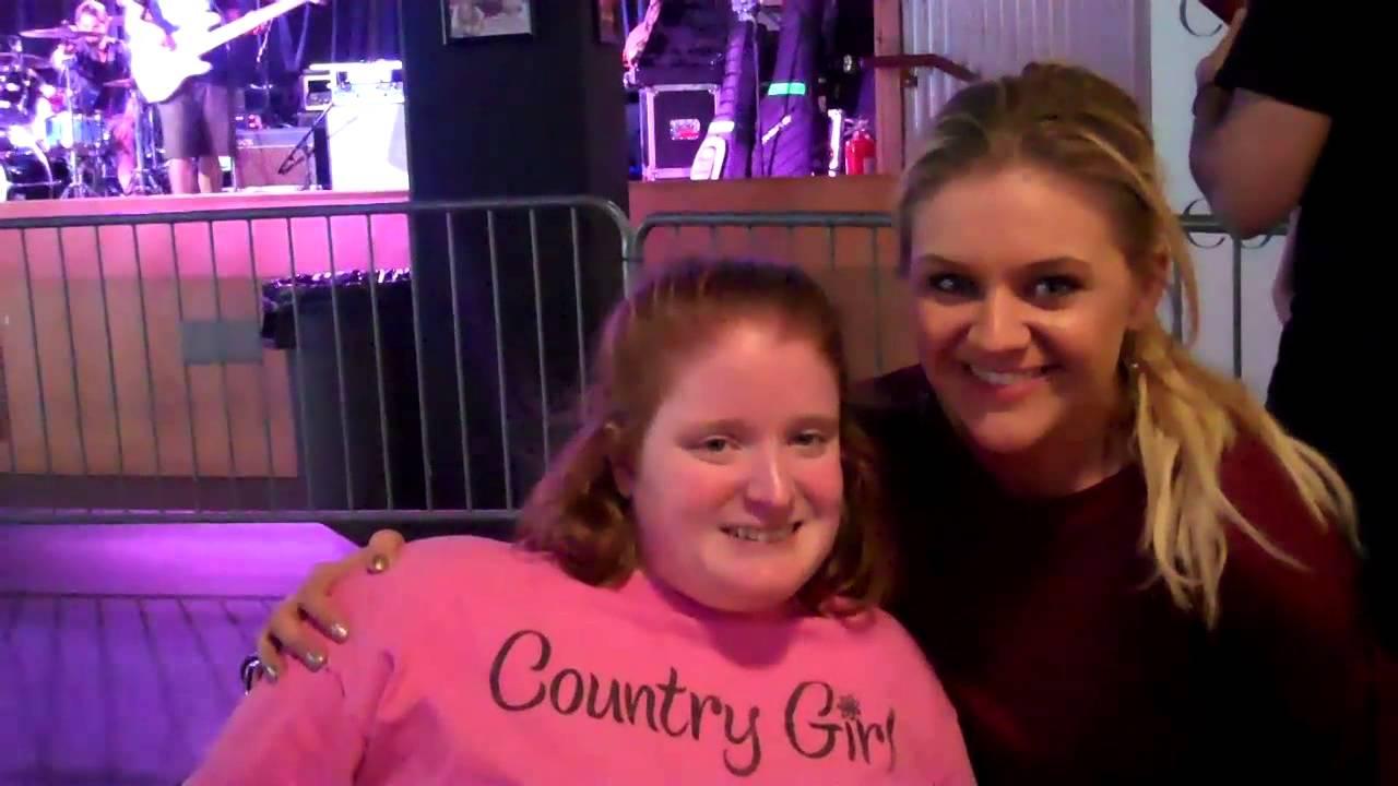 Katy Bowersox Meeting Kelsea Ballerini Before The Concert Youtube