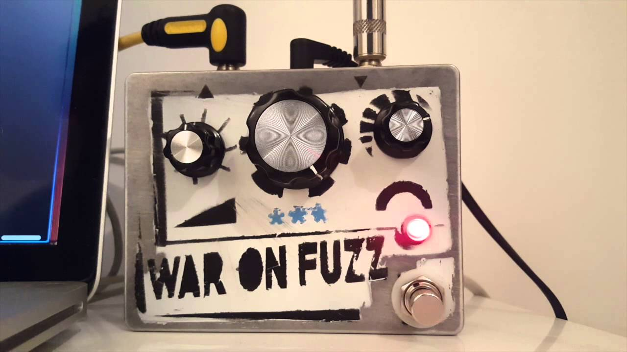 death by audio fuzz war pedal clone youtube. Black Bedroom Furniture Sets. Home Design Ideas