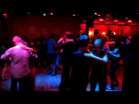Salsa im SODA Berlin - Salon Dancefloor