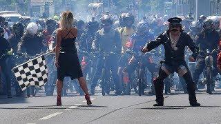 Tajný závod mopedů Race of Champions 2018