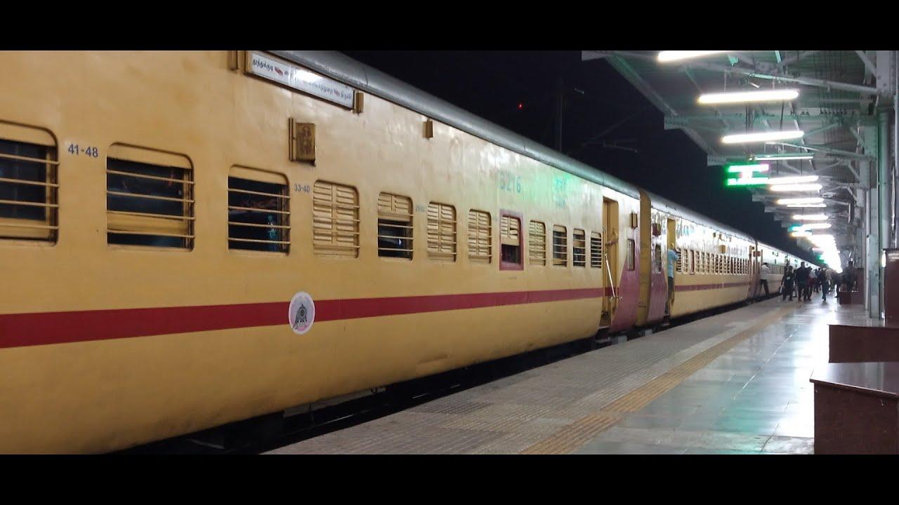 Arrival of 06232 Mysore - Mayiladuthurai Express at Tiruchchirappalli Junction