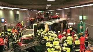 Katastrophenschutzübung in München - Der Busunfall im Richard-Strauß-Tunnel