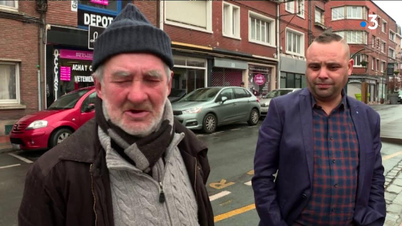 Pour Accrocher Les Vetements lens : patron d'une friperie, il accroche des vêtements gratuits pour les  sans-abris
