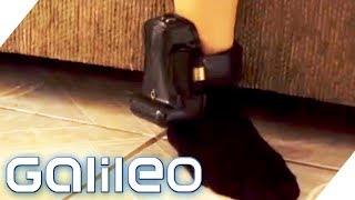 Fußfesseln für Kinder! Fragwürdige Erziehungsmethode in den USA | Galileo | ProSieben