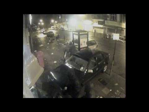 45 Second Robbery London Stamford Hill Security Shop Ram Raid CCTV FLC Scooby Snacks