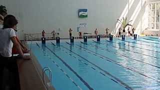 видео Нормативы по плаванию - таблица юношеских разрядов