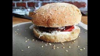 Как дома приготовить Гамбургер с мясом. Вкусный бургер с майонезом, мясом, луком и помидором