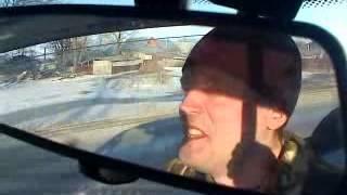 контуженый десантник ведет машину