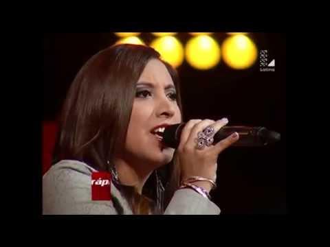 Berioska Leyva canta