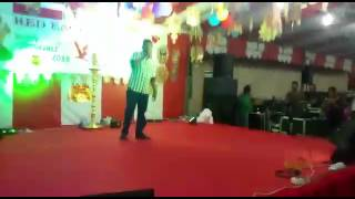 Singer vinayakar in Aambalaikum pombalaikum song  show singapore