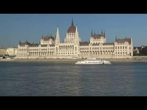Hungarian Parliament Building - Budapest (4K)