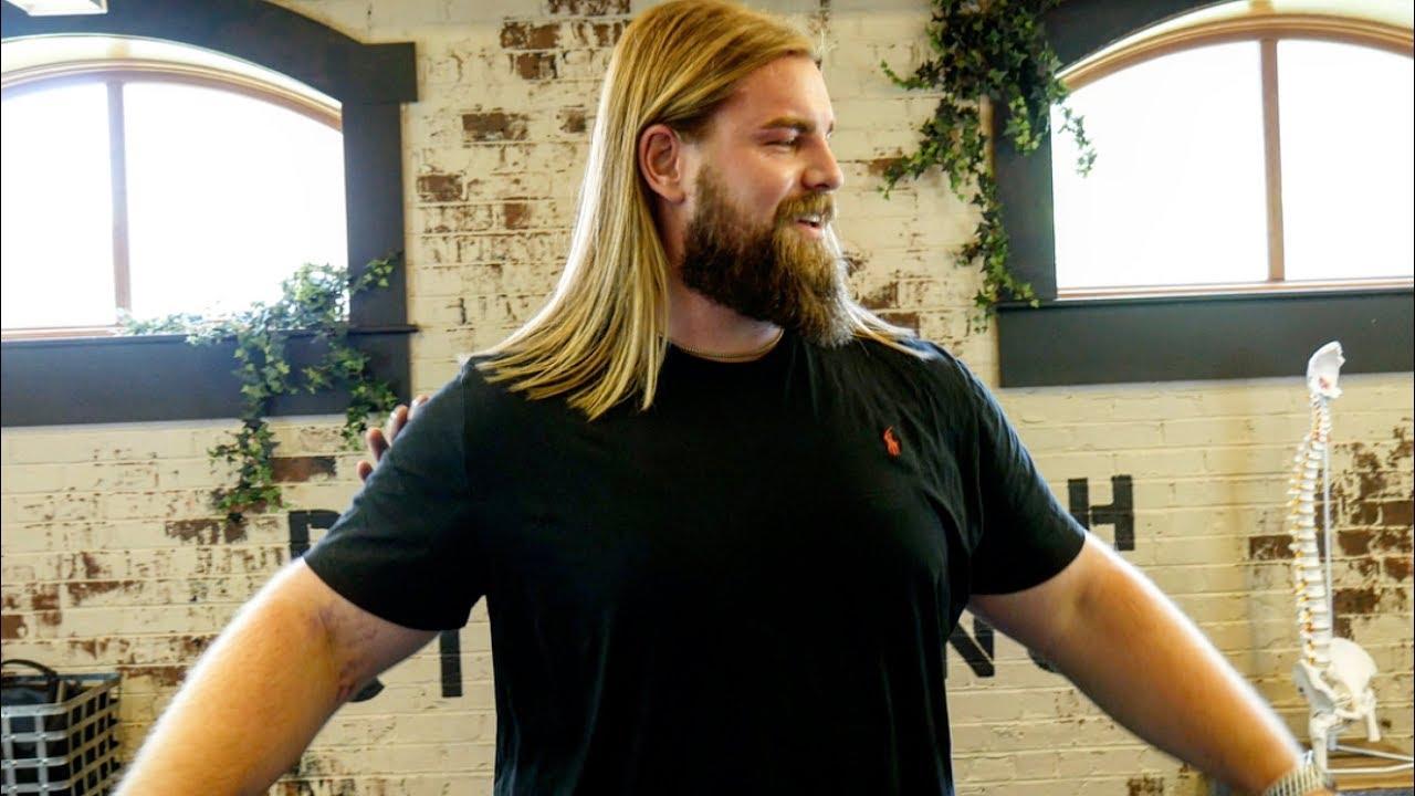 Avenger S Endgame Thor Gets His Back Cracked Doppelganger