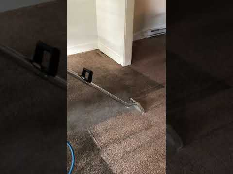 Loose carpets can be difficult to clean - YouTube