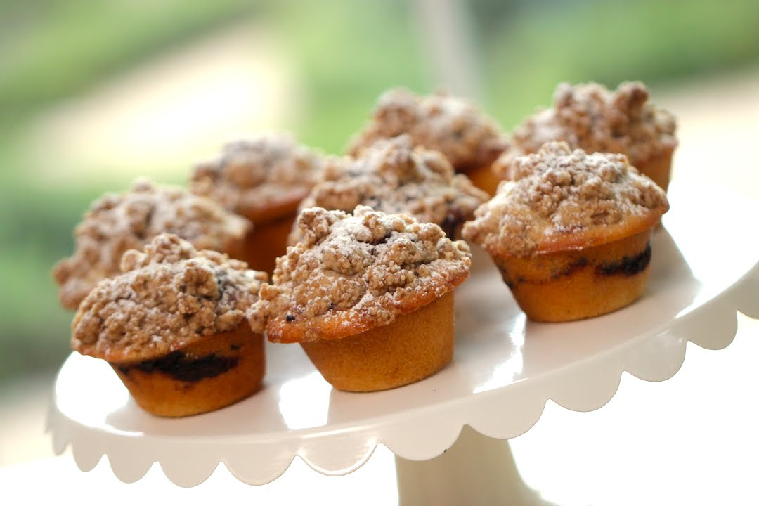 Beth S Coffee Cake Muffin Recipe Entertaining With Beth Youtube