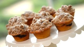 Beth's Coffee Cake Muffin Recipe | ENTERTAINING WITH BETH