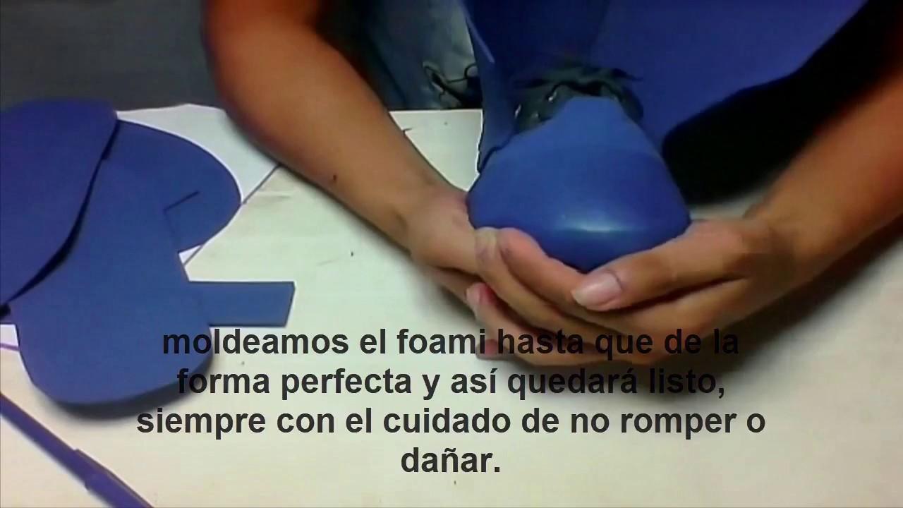 Botas hechas de foami. - YouTube 203b67b8221