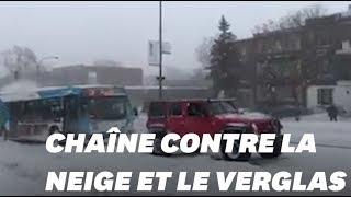 Baixar Face à la neige, ces automobilistes québécois ont prouvé que l'union fait la force