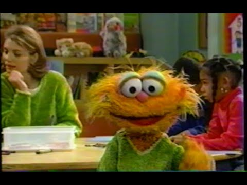 Sesame Street (#3739): Zoe Pretends to Be Like Gina