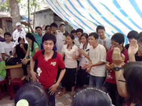 2 Chi Em Thuy Kieu Dai Nao Tran Phu !!!