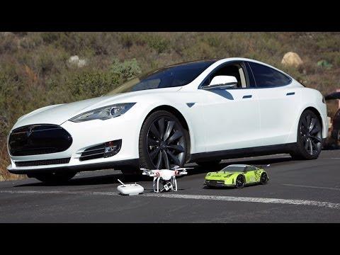 R/C Car VS Tesla Model S Performace 85  0-60 in 3.9 Sec