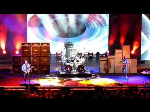 The Spirit of Radio - Rush R40 - Live in Irvine - July 30, 2015