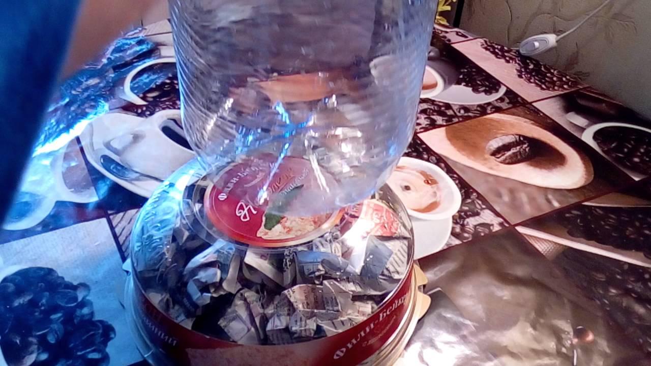 Приветствую вас,жители! Сбылась моя мечта-большая напольная ваза. Выпиливала ее полностью сама из двп и картона. В предыдущем посте я писала.