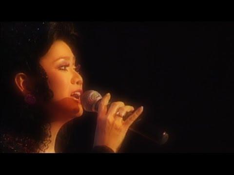 Biru - Vina Panduwinata (with lyrics)