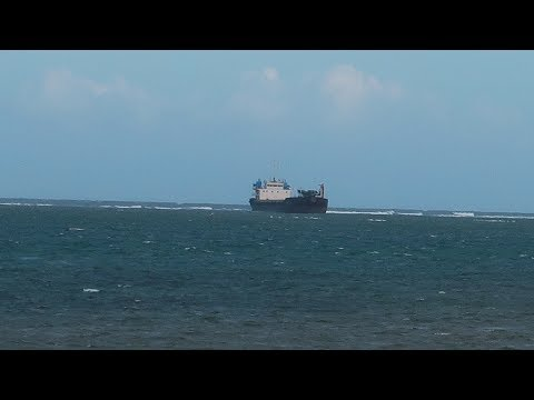 SHIP STUCK in shallow waters | MOMBASA - VLOG 042