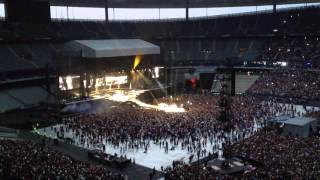 Rihanna - Cockiness (Diamonds World Tour - Paris - Stade de France)