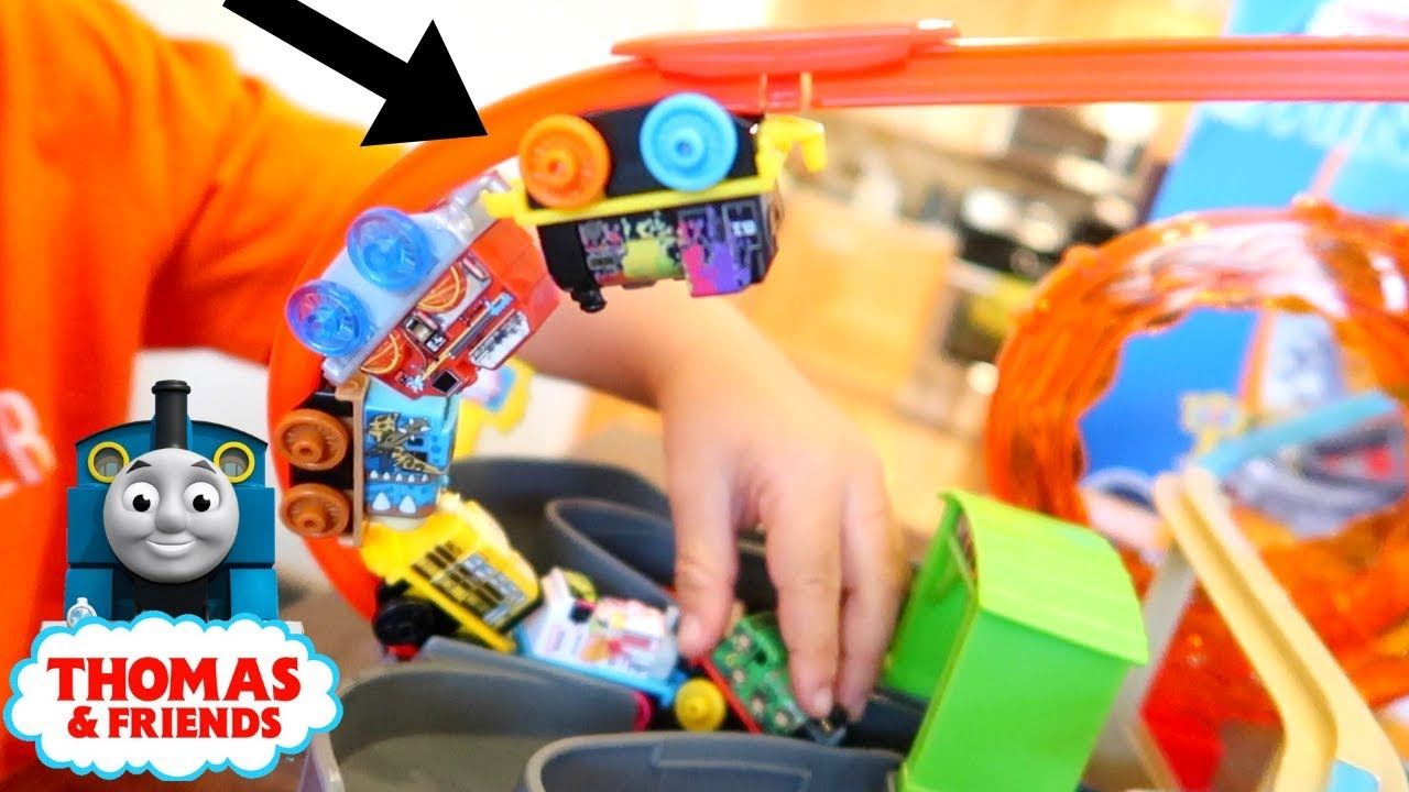 Thomas & Friends MINIS, Motorized Rescue UNBOXING & 12 MINI MYSTERY SURPRISE BAGS!