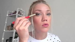 видео Как правильно накладывать тени? Рекомендации к выполнению красивого дневного и вечернего макияжа, в частности макияжа глаз.