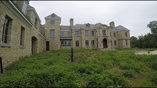 EXPLORING 1 BILLION DOLLAR ABANDONED MANSION *AWESOME MOUNTAIN TOP VIEWS