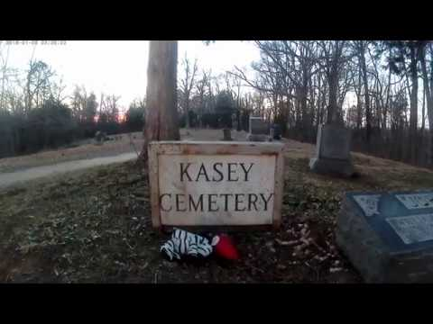 Urban Exploration l Kasey Cemetery, The Gates Of Hell