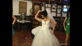 Прикол на свадьбе. Первый танец молодых.