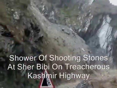 Watch How Shooting Stones Create Havoc On Kashmir Highway