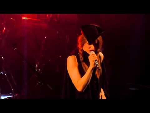 The Do - Slippery Slope - Live Paris 2011 (2)