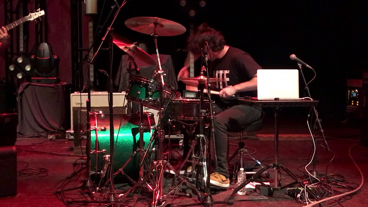 chon-waterslide-live-in-miami-11-12-17-juan-alava-yannuzzelli