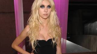 In The Recording Studio With Taylor Momsen