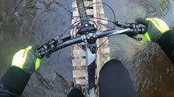 Kaatuminen ja pyörän uitto Vantaanjokeen :)