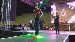 Khuzani ungeniswe u-Quality stage @Goduka music festival 🙌🙌😅🤣